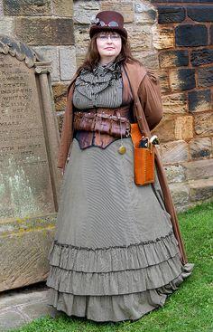 Nice steampunk costume by kjl08, via Flickr