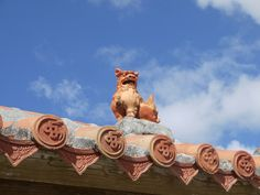 """Shiisa"" roof ornament of Okinawa"