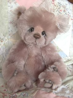 "Long Long Ago Collectibles by Teddy Bear Artist Pat Youderin "" Ava"""