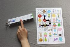 Hlavo, vpravo nebo vlevo? (formát kartiček A4) Preschool, Playing Cards, Teacher, Activities, Education, Games, Toys, Busy Bags, A4