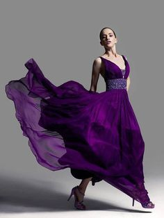 Purple dress - this colour is gorgeous! Purple Love, All Things Purple, Purple Lilac, Shades Of Purple, Deep Purple, Purple Stuff, Magenta, Purple Gowns, Purple Dress
