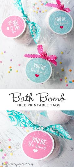 HomeMade Bath Recipes ~ Free printable fizzy bath bomb tags - perfect for teacher appreciation gifts or party favors! Cupcake Bath Bombs, Fizzy Bath Bombs, You Are The Bomb, Diy Masque, Diy Cadeau, Free Printable Tags, Free Printables, Printable Valentine, Printable Stickers