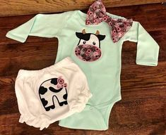 Baby Girl Outfit - Cowgirl Outfit for Girls - Cow Outfit - Baby Girl Cow Outfit - Baby Clothes - Hippie Baby Clothes - Baby Girl Gift - Baby clothing boy, Baby clothing girl, Gender neutral and baby clothing Cowgirl Outfit For Girl, Cowgirl Outfits For Women, Cowgirl Baby, Baby Outfits, Cow Outfits, Hippie Outfits, Casual Outfits, So Cute Baby, Cute Babies