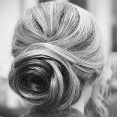 6 COISAS QUE DEIXAM SEUS CABELOS MAIS LINDOS NO INVERNO http://superela.com/2014/07/10/6-coisas-que-deixam-seus-cabelos-mais-lindos-inverno/