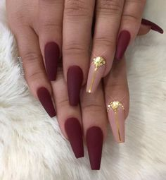 45 Chic Classy Nail Designs Beige color on forefinger with golden detail, has nice influence on other matte red nails. Royal red color is evergreen, and it will always be a choice of ladies with style. Burgundy Nail Designs, Burgundy Nail Art, Red Nail Designs, Pretty Nail Designs, Maroon Nails Burgundy, Red And Gold Nails, Matte Maroon Nails, Deep Red Nails, Matte Nail Art