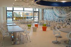 Galiane, meubles et mobilier design : chaises, fauteuils, tabourets de bar, tables http://www.mobilier-hotel-bar-restaurant.com/chaise-design-bar-restaurant-dafne-p607.html