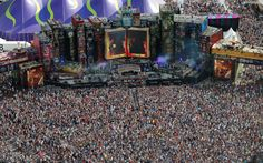 Carpet of humans at Tomorrowland 2012!