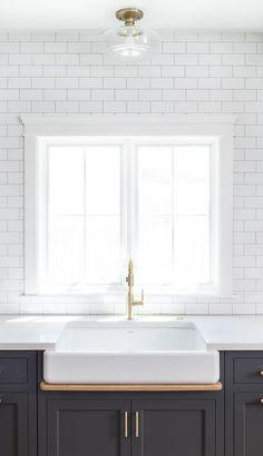 Hot New Kitchen Trend: Dark Cabinets, Subway Tile & Shiplap - Home Bunch – Interior Design Ideas Backsplash For White Cabinets, Dark Kitchen Cabinets, Kitchen Colors, Kitchen Backsplash, Backsplash Ideas, Grey Cabinets, Tile Countertops, Kitchen Counters, Tile Ideas