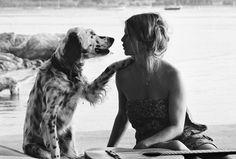 """Interview de Brigitte Bardot Brigitte Bardot est à l'honneur d'une exposition """"Bardot Intime"""", photos par Sveena Vigeveno du 30 septembre au 8 novembre à la Galerie de l'Europe, 55 rue de Seine, 75006 Paris"""