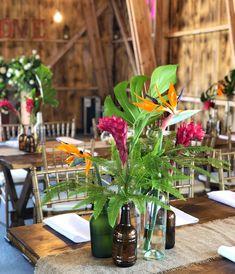 #atelierdual #bucharestflorist #wedding #floraldesign #florist #weddingplanning Tropical Wedding Centerpieces, Atelier Design, Design Floral, Table Decorations, Furniture, Home Decor, Tropical Centerpieces, Decoration Home, Room Decor