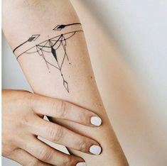 Top 25 der besten Armband-Tattoos - tattoos for women Hand Tattoo Frau, Armband Tattoo Frau, Armband Tattoos, Wrist Tattoos, Body Art Tattoos, New Tattoos, Tattoos For Guys, Cool Tattoos, Tattos