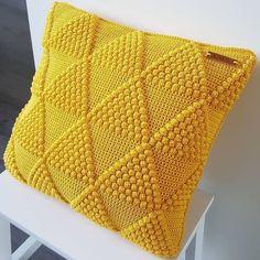 Crochet Cushion Cover, Crochet Pillow Pattern, Knit Pillow, Crochet Cardigan Pattern, Crochet Cushions, Crochet Stitches, Neck Pillow, Crochet Home, Crochet Gifts