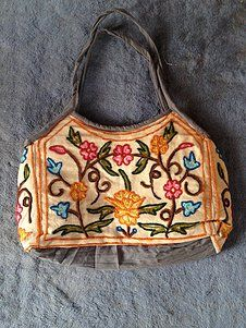 handmade pure cashmere beautiful bags for sale if anybody intrested call me or whats app me on this number +91 9086693168 or send me mail on this emale id : shahmuneer97@gmail.com
