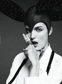 Publication: Flair April 2013 Models: Zuzanna Bijoch Photographer: Paola Kudacki