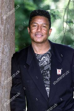 Singer Jermaine Jackson In The Uk Discussing A Musical About The Jackson Five. The Jackson 5 Are Hoping To Stage A West End Musical As Part Of A Major Comeback. Middle Jackson Brother Jermaine Revealed Today They Are In Discussions With Theatre Impre Jermaine Jackson, The Jackson Five, Jackson Family, Stage, The Jacksons, West End, Michael Jackson, About Uk, Comebacks