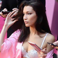 Isabella Hadid, Louis Tomlinson, Camisole Top, Tank Tops, Icons, Women, Fashion, Moda, Halter Tops