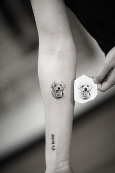 Aureo Roma is the best studio for a tattoo in Rome Tasteful Tattoos, Cute Tattoos, Flower Tattoos, Body Art Tattoos, Sleeve Tattoos, Tattoos For Guys, Small Dog Tattoos, Dog Memorial Tattoos, Single Needle Tattoo
