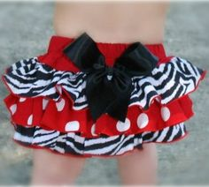 My little girl will wear this to Georgia football games!!!