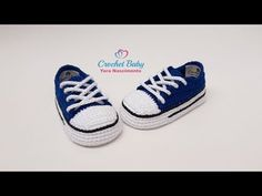 Crochet Baby Socks, Crochet Baby Sandals, Crochet Shoes, Diy Crochet, Crochet Dolls, Knitted Baby, Baby Booties Knitting Pattern, Baby Shoes Pattern, Crochet Baby Booties