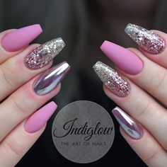 Discover new and inspirational nail art for your short nail designs. Glitter Gel Nails, Sparkly Nails, Pink Acrylic Nails, Fancy Nails, Elegant Nails, Stylish Nails, Trendy Nails, Fabulous Nails, Gorgeous Nails