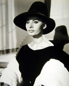 10 gal hat for evening wear and pouting like Sophia Loren