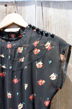 Vintage Sheer Floral Dress by chiquitaninjavintage on Etsy Pretty Outfits, Pretty Dresses, Cute Outfits, Retro Fashion, Vintage Fashion, Womens Fashion, Sheer Floral Dress, Vintage Dresses, Vintage Outfits