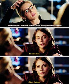 """Rejoin the team"""" - Thea and Felicity Arrow Felicity, Felicity Smoak, Supergirl Dc, Supergirl And Flash, The Cw Shows, Tv Shows, Arrow Memes, Arrow Season 4, Arrow Tv Series"""