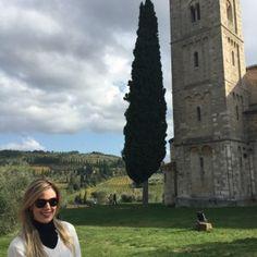 sisters in travel-tour por montalcino-montalcino-itália-abadia de sant'antimo-sister themis eloana