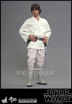 Hot Toys Star Wars Episode IV Luke Skywalker action figure in stock! Star Wars Luke Skywalker, Toy People, Star Wars Episode Iv, Comic, Star Wars Pictures, Mark Hamill, A New Hope, Princess Leia, Geek Chic