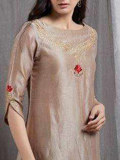 Off White Embroidered Chanderi Silk Kurta Kurti Sleeves Design, Kurta Neck Design, Sleeves Designs For Dresses, Dress Neck Designs, Blouse Designs, Sleeve Designs For Kurtis, Silk Kurti Designs, Salwar Designs, Kurta Designs Women