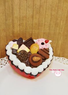 Reserved ---- Gourmet chocolate and whipped cream sweet decoden red heart shape case