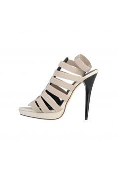 Looking for trendy Italian shoes for women online? The Nora is stocked with a variety of cheap designer women's shoes available at different prices and sizes. From flattering high heels to cool sneakers, we have all types of designer women's shoes. Italian Shoes, Cheap Designer, Pumps, Cute Shoes, Heeled Mules, Fashion Shoes, Peep Toe, High Heels, Footwear