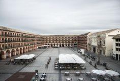 Plaza de la Corredera | Puerta de los patios de Córdoba
