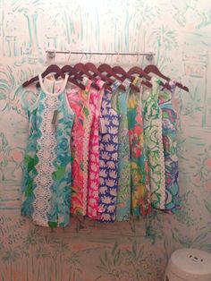 Too many choices!! I'm in love with the summer and spring 2015 Lilly collection! I just can't decide!!#Summerinlilly #buymelilly @lillypulitzer #lillypulitzer