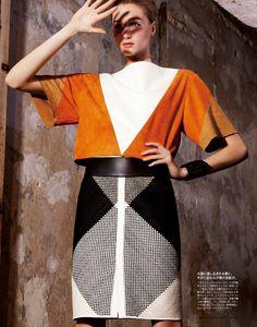 Julie+Vanden-Breeden+by+Bruno+Barbazan+%28Hermes+Bird+-+Madame+Figaro+Japan+May+2012%29.jpg (1200×1528)