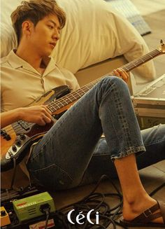 Lee Jung Shin told the June issue of CéCi that he thinks he's very lucky and that he loves his job. Well, who wouldn't if you were a member of the 4 Royalty Rock Gods – CN Blue? Cnblue, Lee Minhyuk, Kang Min Hyuk, Lee Jong Hyun, Lee Jung, Jung Yong Hwa, Jonghyun, Shinee, Minho