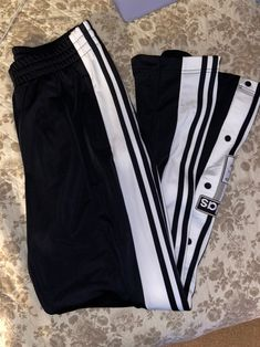 adidas sweats on Mercari Cute Nike Outfits, Outfits For Teens, Pretty Outfits, Spring Fashion Outfits, Fall Outfits, Adidas Models, Tumblr Outfits, Street Wear, Sweatpants