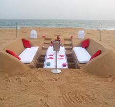 Une demande en mariage sur sable (é)mouvant... Outdoor Furniture, Outdoor Decor, Sun Lounger, Beach Mat, Outdoor Blanket, Cool Stuff, Home Decor, The Beach, Projects