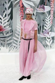 EN IMAGES. Chanel haute couture : la fée Lagerfeld enchante le Grand Palais