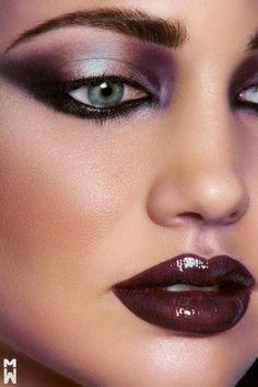 smokey eyes makeup, dark lips