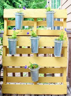 A garden normally requires a lot of space that some of us really don't have. In such cases you either give or improvise. Here's how you can create your own garden with very few materials. The largest thing you'll need for this project is a pallet.