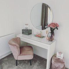 diy quarto casal Real homes Room Ideas Bedroom, Home Decor Bedroom, Bedroom Rustic, Industrial Bedroom, Makeup Room Decor, Cute Room Decor, Pink Home Decor, Aesthetic Room Decor, Stylish Bedroom