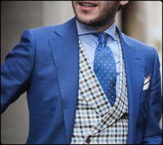 amator-blogosphere:  Never Enough Blue Suit !