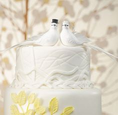Bride and Groom Cake Topper Wedding Doves .... ♥♥ ....www.confetti.co.uk