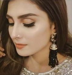 Pakistani Makeup, Pakistani Actress, Aishwarya Rai Cannes, Bridal Mehndi Dresses, Dps For Girls, Girly Pictures, Travel Pictures, Muslim Beauty, Pakistani Wedding Outfits