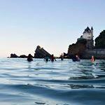 Quoi de mieux que ... • se lever pour investir la Villa Belza sous un autre angle • de travailler dans ce cadre si atypique • d'évoluer chaque matin avec un groupe toujours autant motivé 💪 même en plein hiver ! • juste faire un plouf dans une eau à 13°C ??🏋😂 Un Big Merci à tous mes petits aqua sportifs de plus en plus nombreux chaque jour 🙈  #MarcheAquatique #capture4cubes #Biarritz #whatelse #cotebasque #surf #therapy