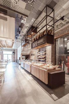 Markthalle Panzerhalle | smartvoll; Photo: Tobias Colz/smartvoll | Archinect #restaurantdesign