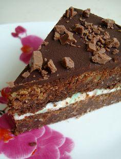 Mõnusalt pähkline kakaokook vahukommitäidisega