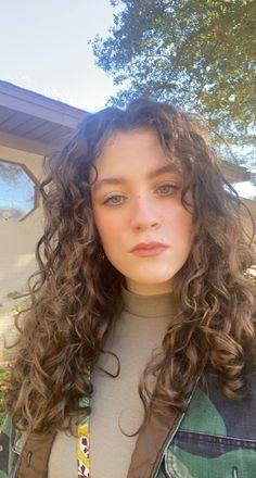 Curly Hair Fringe, Brown Curly Hair, Curly Hair With Bangs, Natural Wavy Hair, Curly Hair Tips, Cut My Hair, Short Curly Hair, Curly Hair Styles, Curly Hair White Girl