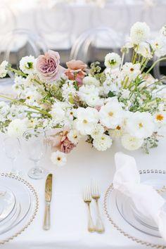 Wedding Mood Board, Tent Wedding, Wedding Reception Decorations, Wedding Table, Wedding Bells, Wedding Ideas, Mother Of The Bride Flowers, Desination Wedding, Floral Wedding